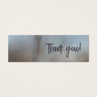 Blanc subtil de carte de remerciements de scène