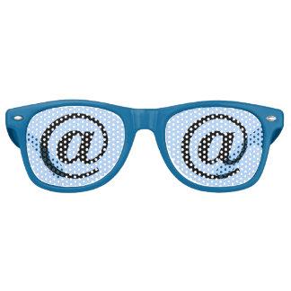 """Blauw """"bij"""" de Partij van het Teken Retro Zonnebril"""