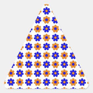 Blauwe en oranje bloemensticker driehoek sticker