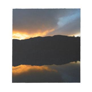 Bloc-note ciel dans le miroir