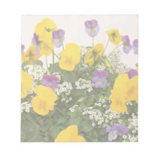Bloc-note Le jardin floral de fleurs fleurit photographie
