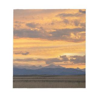 Bloc-note Les hautes plaines rencontrent les montagnes