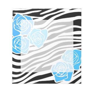 Bloc-note Motif noir et blanc de zèbre + roses bleus