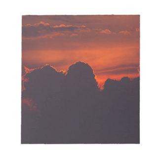 Bloc-note Nuages oranges pourpres de coucher du soleil