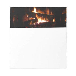 Bloc-note Photographie chaude de scène d'hiver de cheminée