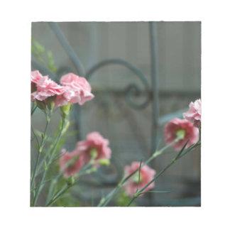 Bloc-note Roses s'élevant dans un jardin de Cotswold