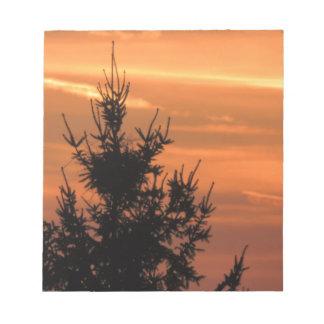 Bloc-note Silhouette d'arbre avec le coucher du soleil
