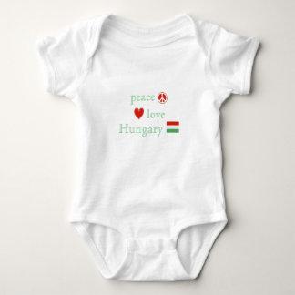 Body Amour et la Hongrie de paix