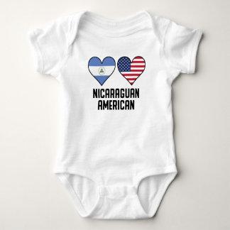 Body Drapeaux américains de Nicaragua de coeur