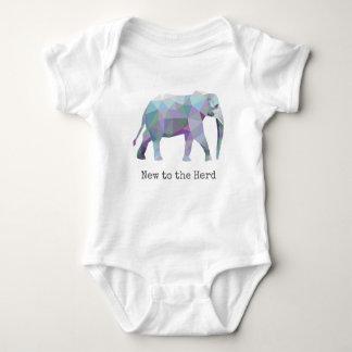 Body 🐘 géométrique d'éléphant nouveau au troupeau