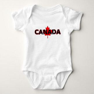 Body Le Canada avec la plante grimpante de feuille