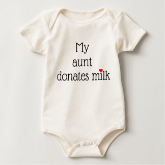 Body Mon __donne le lait avec le petit coeur rouge