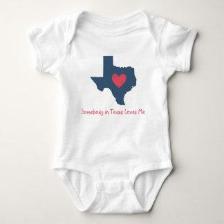 Body Quelqu'un dans le Texas m'aime combinaison de bébé
