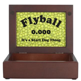 Boîte À Souvenirs 0,000, le début parfait, c'est une chose de chien