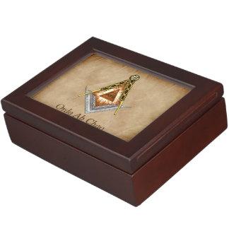 Boîte À Souvenirs Carré et boussole tirés par la main avec tout