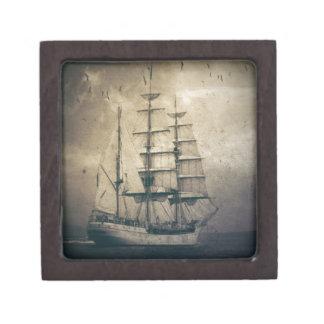 Boîte À Souvenirs De Première Qualité Voilier vintage de navigation de mer nautique