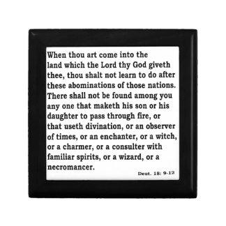 Boîte À Souvenirs Deut. 18:9 - 12