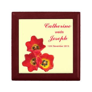 Boîte À Souvenirs Jolies tulipes épousant la boîte-cadeau dans
