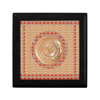 Boîte À Souvenirs OR de relief par symbole de l'incantation n