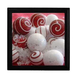 Boîte À Souvenirs Ornements rouges et blancs