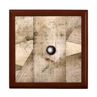 Boîte À Souvenirs Planches et boîte en bois de souvenirs de boulon