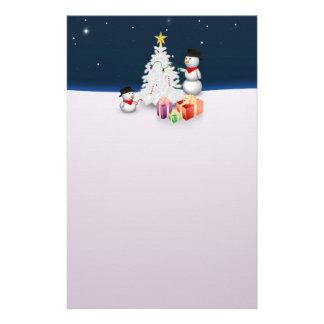 Bonhommes de neige mignons avec l'arbre de Noël - Papeterie