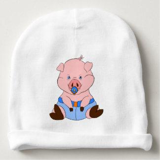 Bonnet Pour Bébé Porc dans une calotte de bébé de couche-culotte