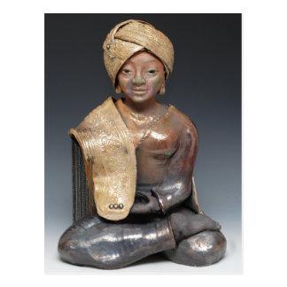 Bouddha féminin dans un turban d'or carte postale
