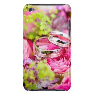 Bouquet de mariage avec des bandes d'anneau de coque iPod touch