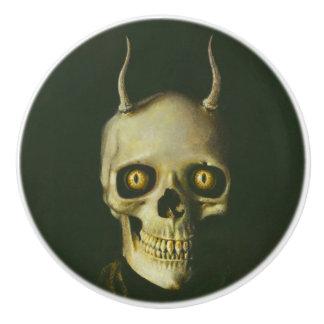 Bouton à cornes de Halloween de crâne de diable