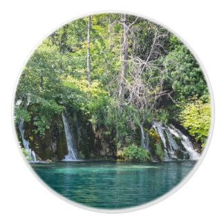 Bouton De Porte En Céramique Cascades en parc national de Plitvice en Croatie