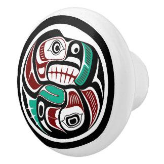 Bouton De Porte En Céramique Loutre du nord-ouest de Côte Pacifique chassant le