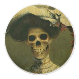 Bouton en céramique squelettique gothique