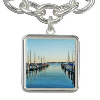 Bracelet Avec Breloques Bateaux à la marina par Shirley Taylor