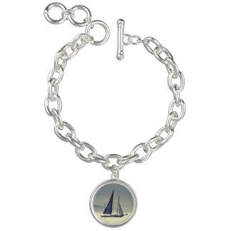 Bracelet Avec Breloques Navigation loin