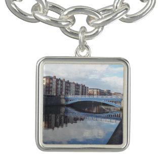 Bracelet de charme de réflexion de pont de Dublin