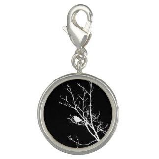 Breloque Avec Photo Blanc sur la silhouette noire d'oiseau -