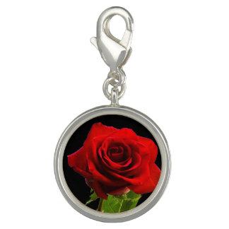 Breloque Rose rouge sur le noir