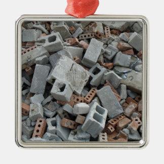 Briques et débris de blocaille de démolition de ornement carré argenté
