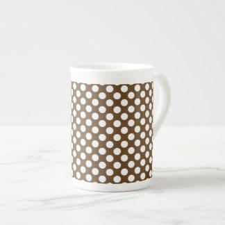 Brown et point de polka blanc mug