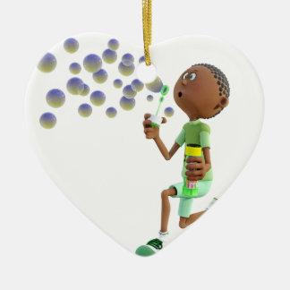 Bulles de soufflement de garçon d'Afro-américain Ornement Cœur En Céramique