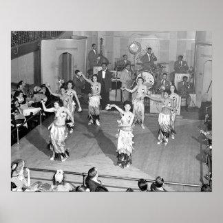 Cabaret Dancers, 1941. Photo vintage