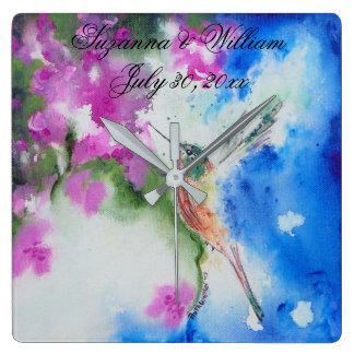 Cadeaux abstraits de maison de mariage de colibri horloge carrée