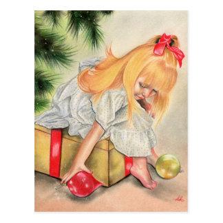 Cadeaux sous la carte postale de tress de Noël