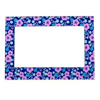 Cadre Aimanté Avec Photo Prune japonaise riche de motif floral bleu et rose