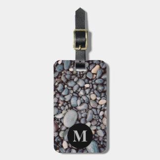 Cailloux gris de roche de voyage de monogramme étiquette à bagage