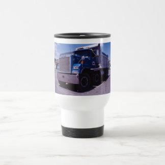 Camion à benne basculante de Mack Mug De Voyage