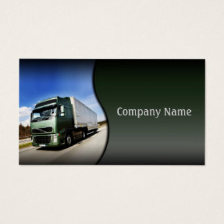 Camion vert sur la carte de route