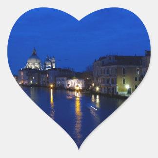 Canal grand de Venise par nuit Sticker Cœur
