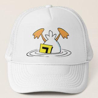 Canard de tintement brisé dans le marais casquette